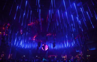 omclub, led tubes,led technik,party,köln,halle tor 2,led röhren,lichttechnik, veranstaltung,veranstaltungstechnik,veranstalter,licht design