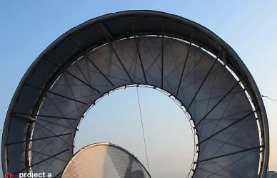 Luminale_2016,frankfurt,LED-Tubes,kreis,led-iris,led-auge,lichtkreis, chicago meatpackers riverside, hessenschau,leichtbaukunst.de,project a, christopher baer, luminale lichtinstallation, lichtskulptur,s-bahn,zug,skyline